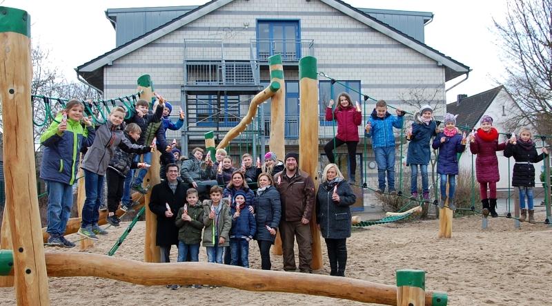 Klettergerüst Schule : Das neue klettergerüst grundschule gundorf